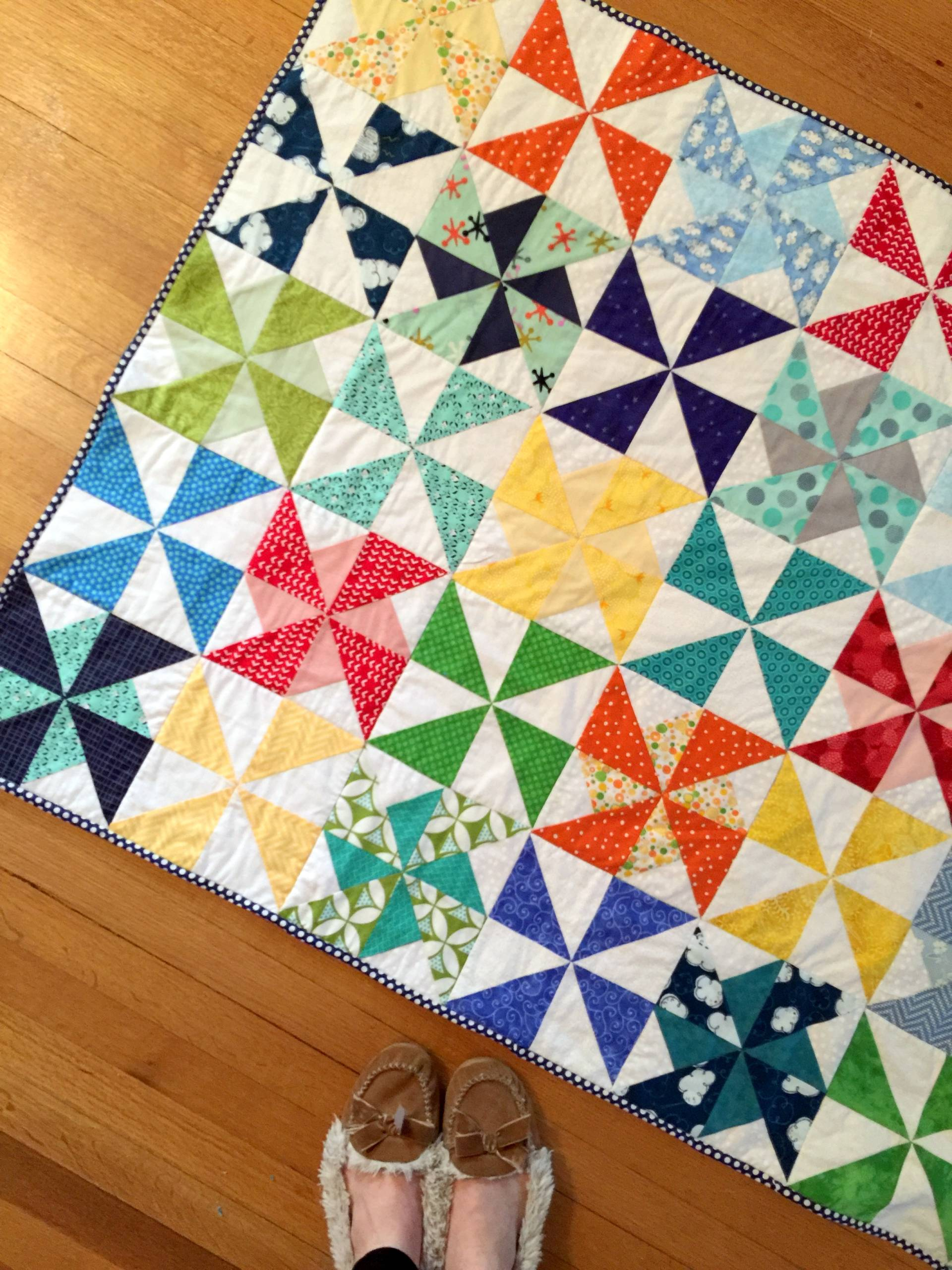 pinwheel quilt blocks on mostlysewing.com