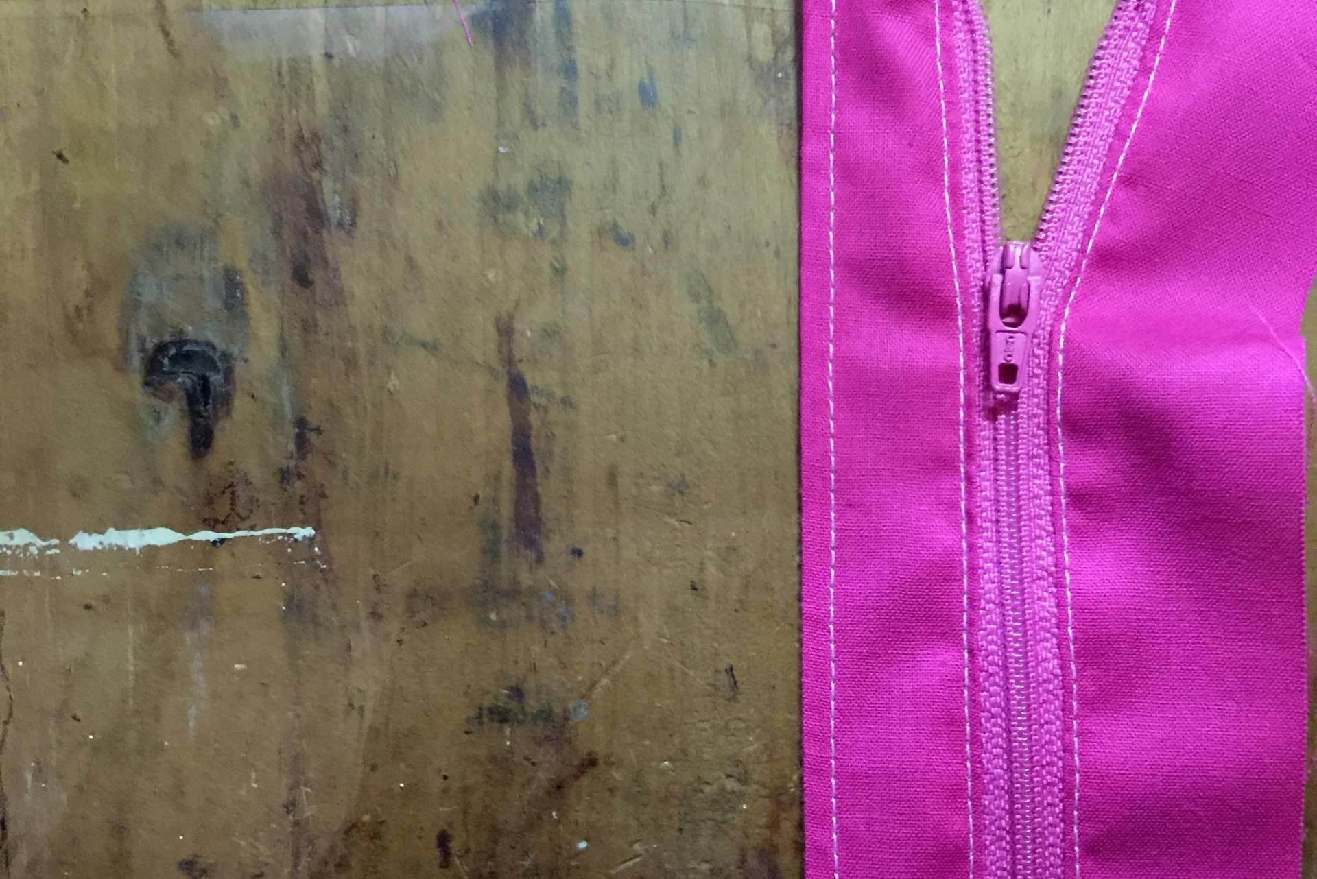 Vinyl Zip Pouch adding white top stitching