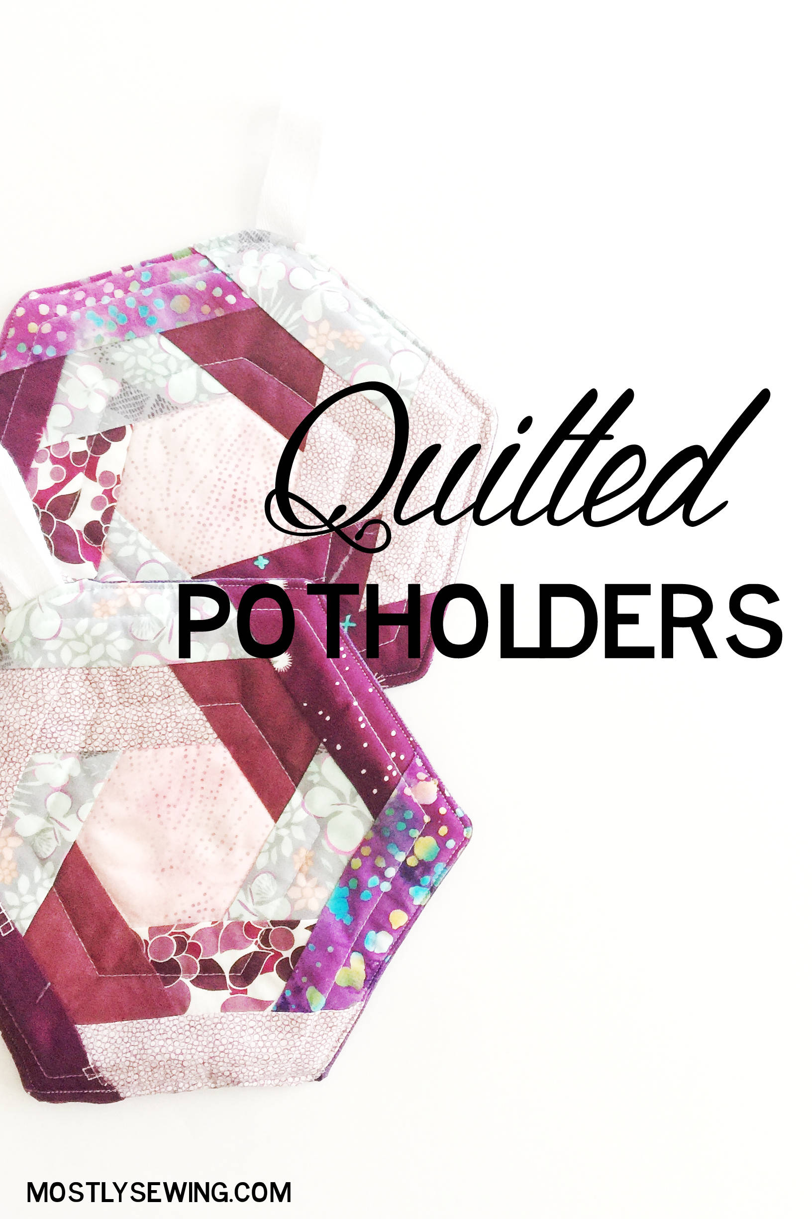 Quilted Potholders: I love the hexagon shape of these potholders and using the log cabin technique to construct! So fun!