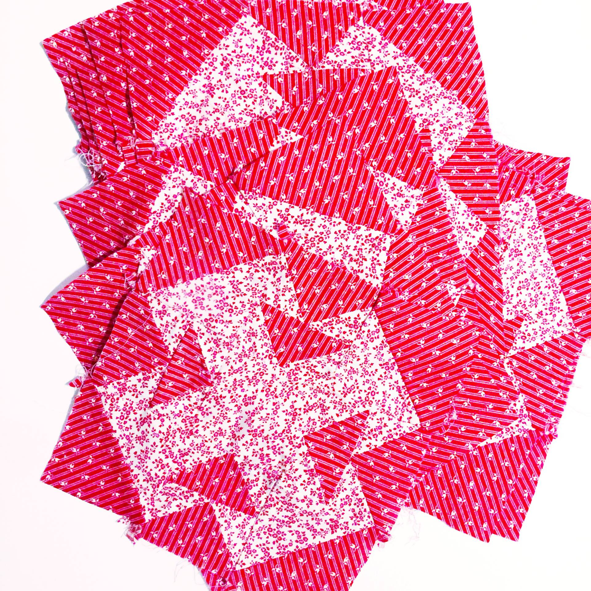 double T quilt block in red and white