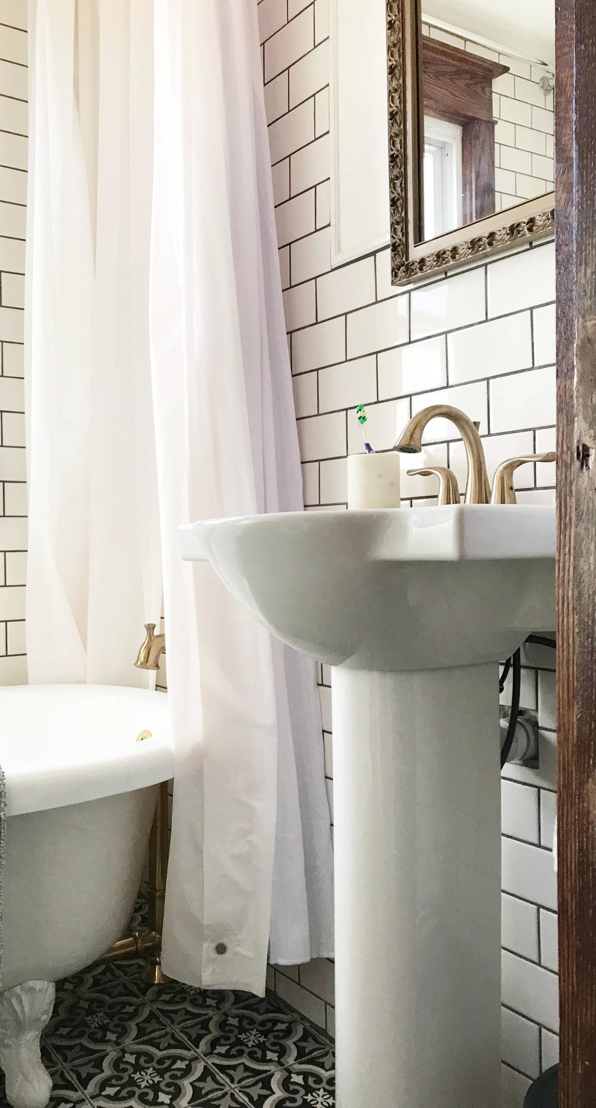 1920s lakehouse tiny bathroom gets a full renovation