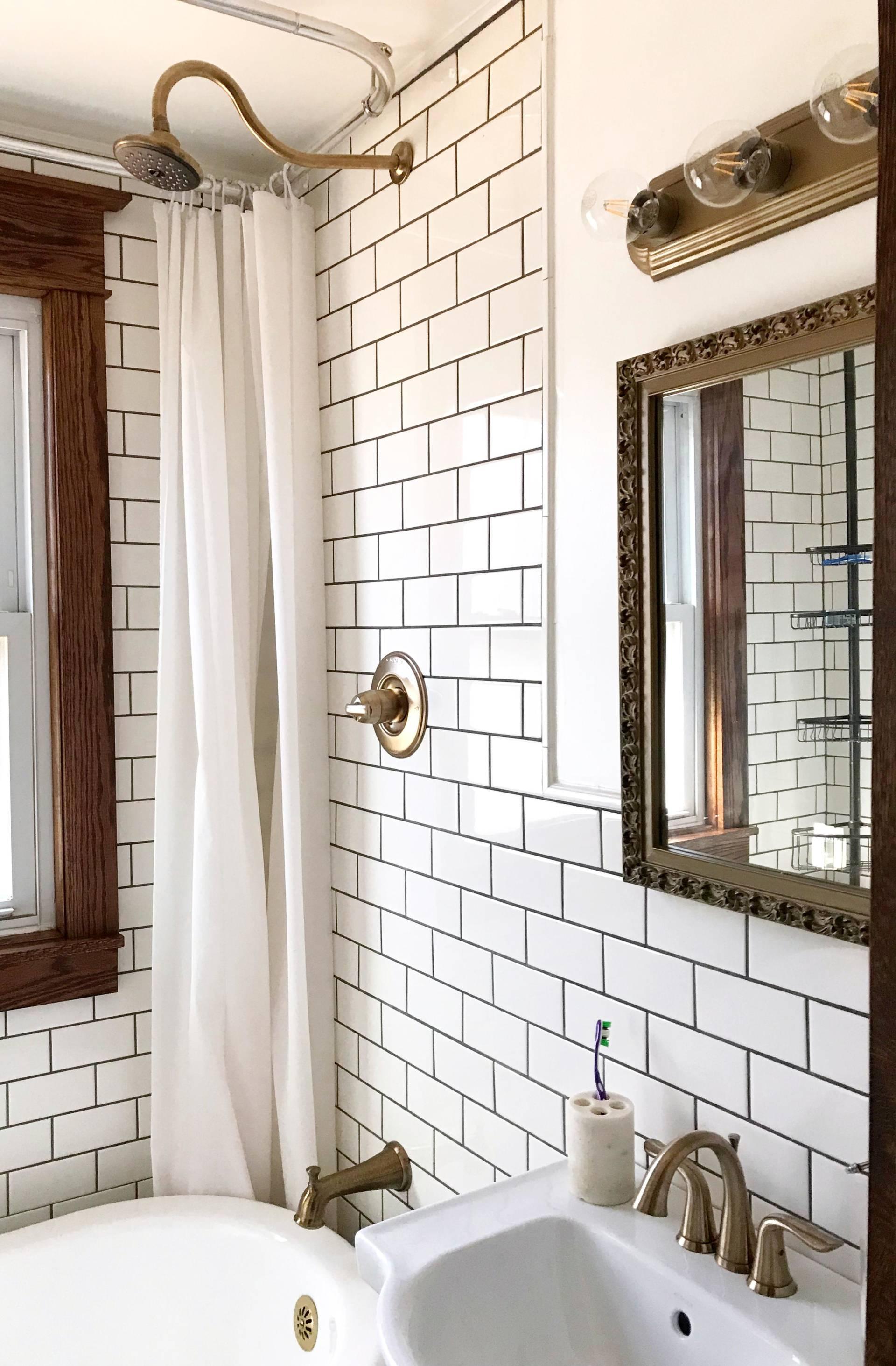1920s lakehouse tiny bathroom gets a full renovation