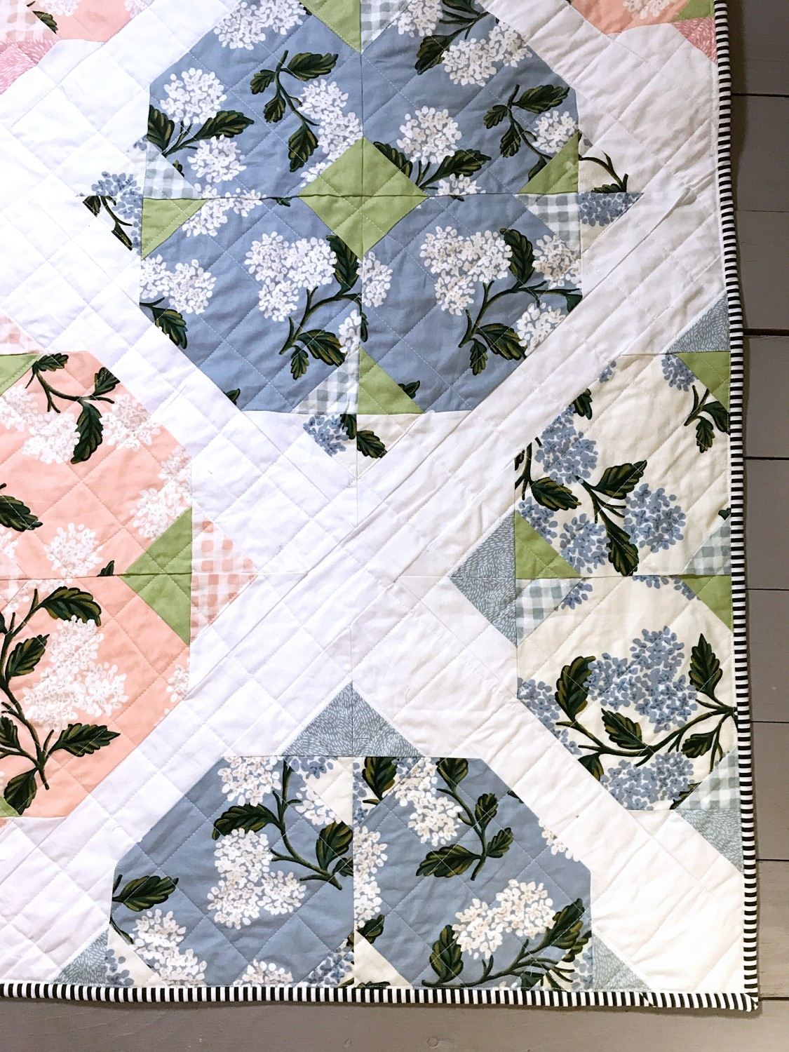 Mother's Day Quilt (Hydrangea from Dreamy Quilts)